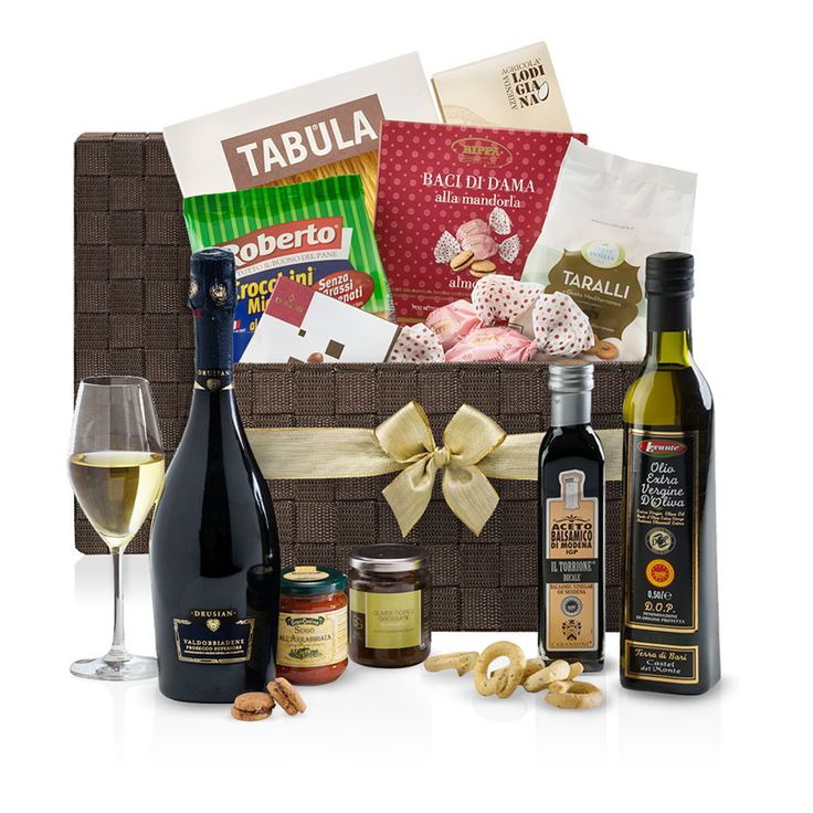 Italian Hamper Large With Prosecco Limoncello For Delivery In Italy Giftsforeurope Is The Leading Gift Provider Europe Since