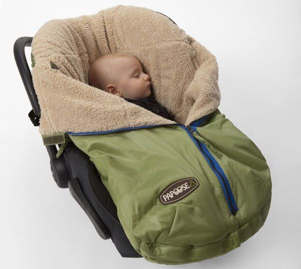 The unpredictable weather of late is making getting out and about with a baby tricky. The days might be (mostly) warm but then night comes in cool. So how to leave the house without a suitcase of clothing and blanket options? Invest in the Papoose.