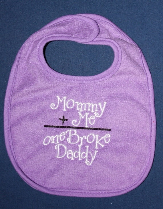 How stinking cute is this bib