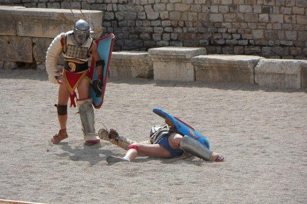 Watching the Gladiator Show in Tarragona's Roman Amphitheatre - http://www.europealacarte.co.uk/blog/2013/07/24/gladiator-show-tarragona/