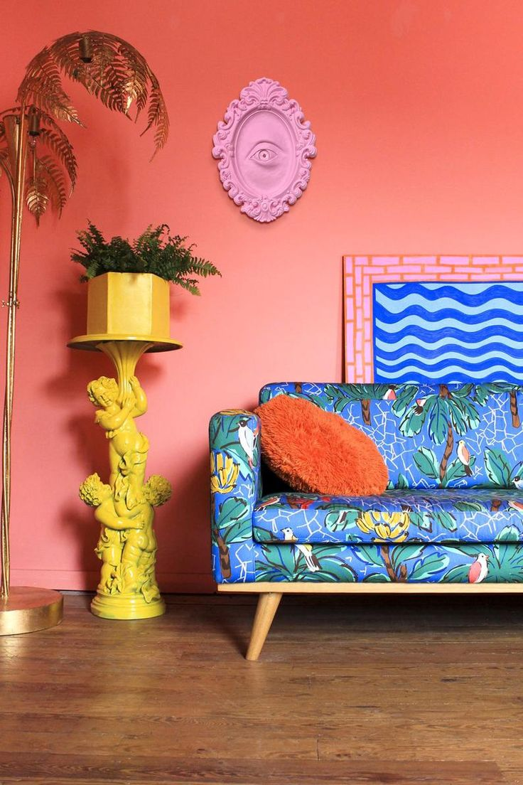 Bright Painted Furniture, Estilo Kitsch, Do It Yourself Decoration, Teal Walls, Pink Houses, Eclectic Decor, Bright Decor, Funky Home Decor, Colorful Decor