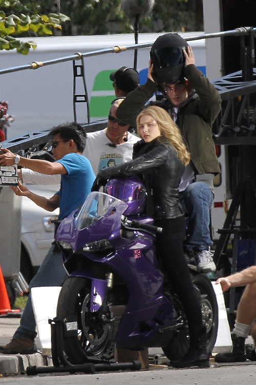 Chloe Moretz on the set of Kick-Ass 2 in Toronto, September 19th