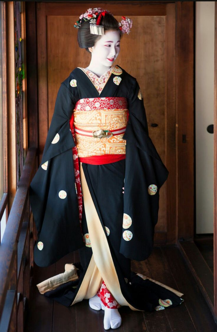 Maiko, Kimitoyo. Location is Chionsya, Kyoto, Japan.