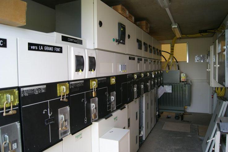 Installation d'un local HTA pour centrale photovoltaique par Delamet. http://www.delamet.com/electricite-et-energie/