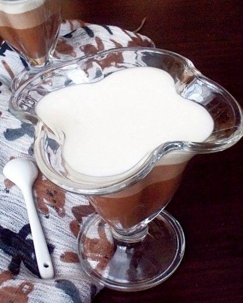 Простенький, но всегда эффектный и любимый десерт - шоколадно-сметанное желе.   Ингредиенты: желатин - 25 г (столовая ложка с горкой), сметана - 500 г (подойдёт любой…