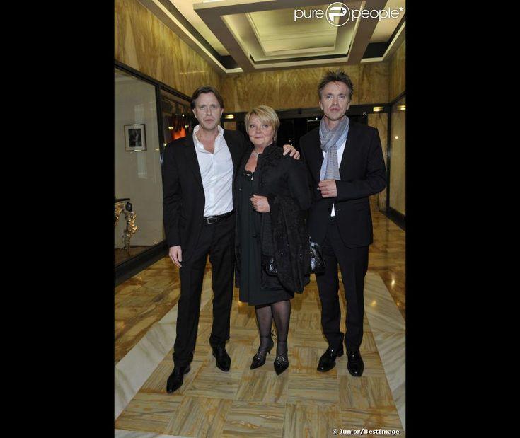 claude francois jr   Claude François Junior, avec son frère Marc François et leur mère ..