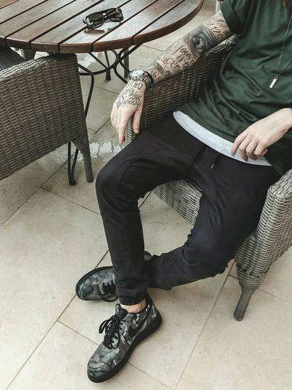 Calça Jogger, Calça Jogger Jeans, Calça Jogger Masculina. Macho Moda - Blog de Moda Masculina: Roupa de Homem: 5 Tendências Masculinas que continuam para 2017. Nike Air Force 1