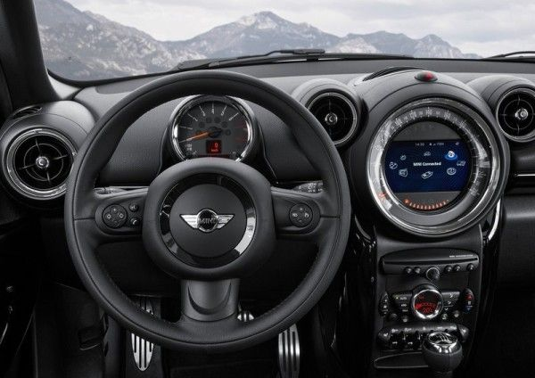 2015 Mini Paceman Instrument Panel 600x424 2015 Mini Paceman Review Specs and Models
