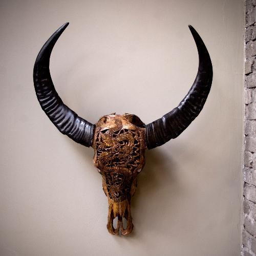 Crâne de buffle sculpté de Sulawesi