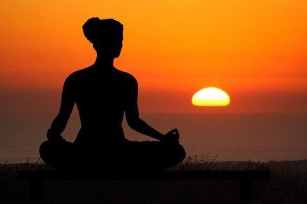 Развивайте духовность  Когда мы практикуем духовность, мы признаем, что жизнь - это нечто большее, чем мы сами. Мы отказываемся от глупой идеи, что человек – самое могущественное существо, и это дает нам возможность соединиться с источником всего мироздания и установить связь со всем существующим. Некоторые успешные люди считают, что они выполняют работу, которую они «призваны» делать свыше.