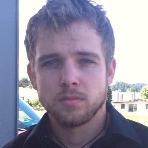 theriot guys Max thieriot's date of birth is: 14 october 1988, he was born in los altos hills, california, usa max thieriot's height is 5' 11 (180 m) max thieriot's birth name is maximillion drake thierio.