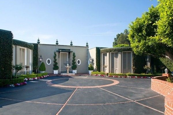 Marjorie Lord's Spectacular Beverly Hills French Regency Style Estate Designed by John Elgin Woolf Comes on the Market for $9,250,000 :http://www.christophechoo.com/marjorie-lords-spectacular-beverly-hills-french-regency-style-estate-designed-by-john-elgin-woolf-comes-on-the-market-for-9250000/