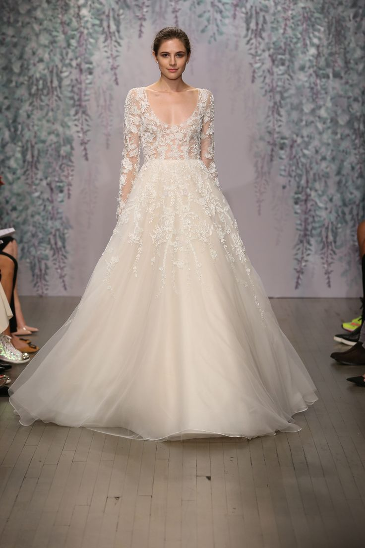 MONIQUE LHUILLIER | Fall 2016. bridal. long sleeve. romantic. wedding. dress. embellishments.