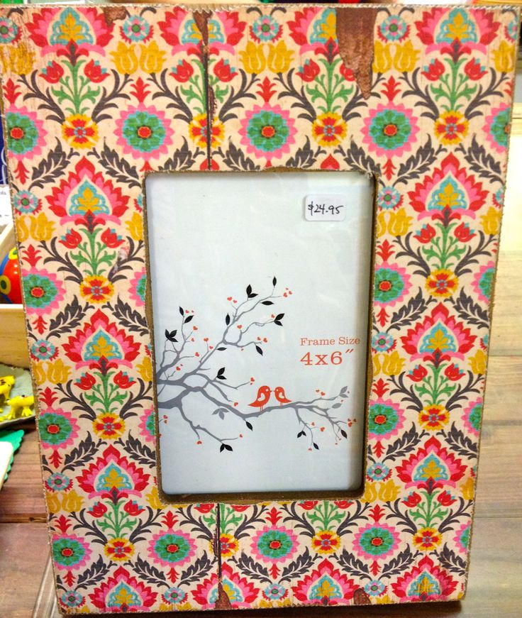Shabby, gypsy beautiful picture frame.  Love this!