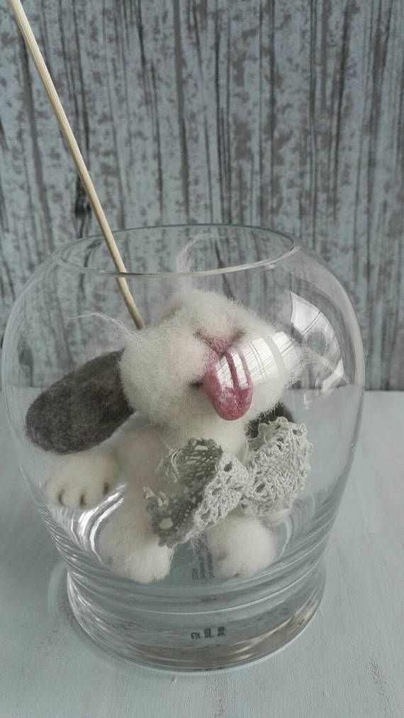 Shapitoshik Bunny. Small white hare. Woollen figure. Felted