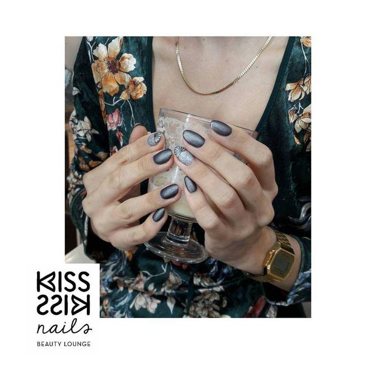 Autumn mood 🍁🍁🍁 #kisskissnails #nailsalon #beautylounge #psychiko #manicure #zoya #zoyanailpolish #10free #vegan #tilly #troy #everydayzoya #nailart #nailgram #mattenails
