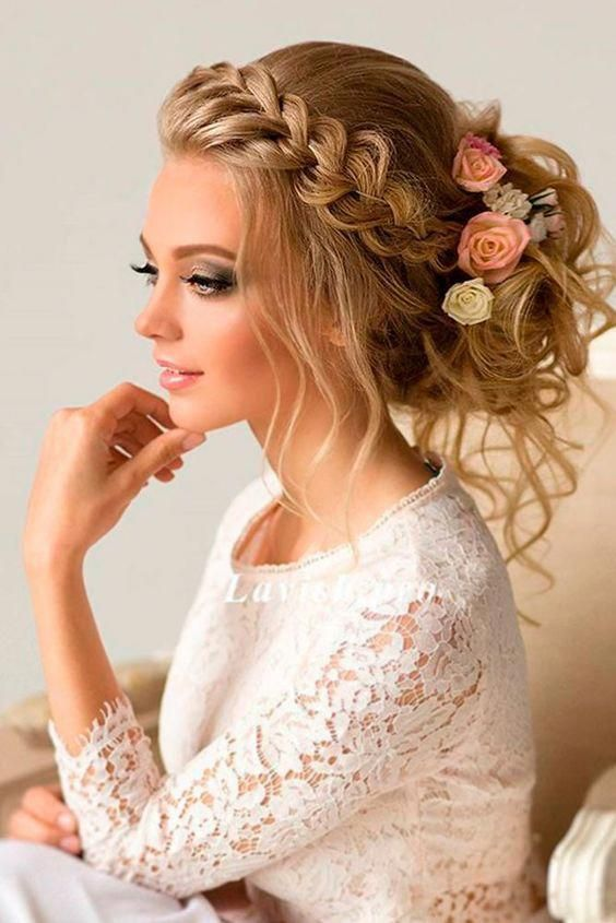 Updo Hairstyles for Elegant Bridesmaids picture 2 #avedamadison #romanticandelegant #longhairstyles
