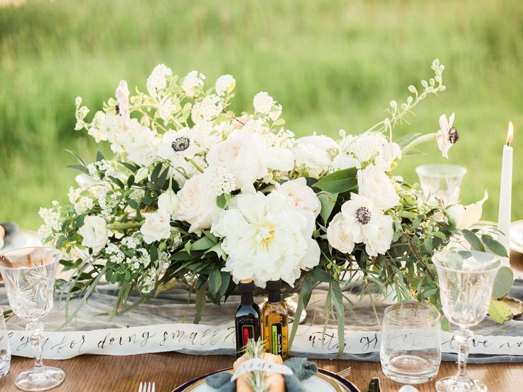 tuscan prairies styled shoot   jennifer bianca calligraphy   shot by esther funk photography   click through to full post and to see the full list of vendors