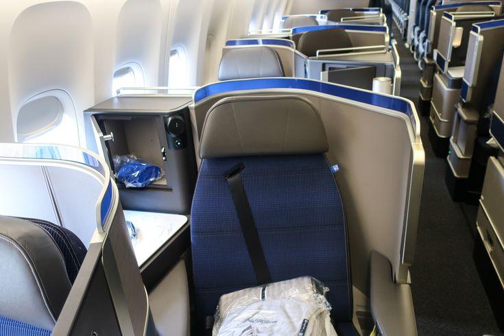 United Polaris Business Class - Boeing 777-300 Photo: Calvin Wood