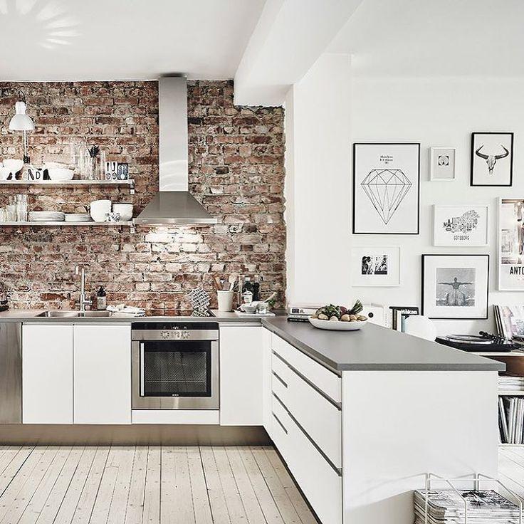 """""""Nel post di oggi vi mostro un appartamento in stile nordico che sono sicura vi farà impazzire.  http://www.shabbychicinteriors.it/2016/02/lo-stile-…"""""""