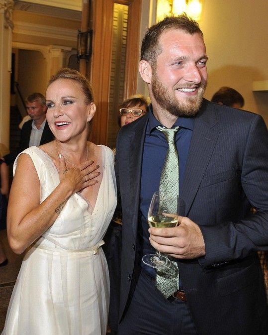 Vendula Pizingerová prožívá šťastné manželství s Josefem Pizingerem.