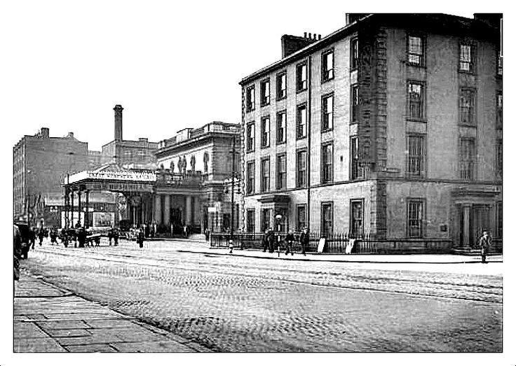 GREAT VICTORIA STREET, RAILWAY STATION ON LEFT. THE BUILDING ON THE RIGHT PRECEDED THE EUROPA HOTEL, BELFAST.