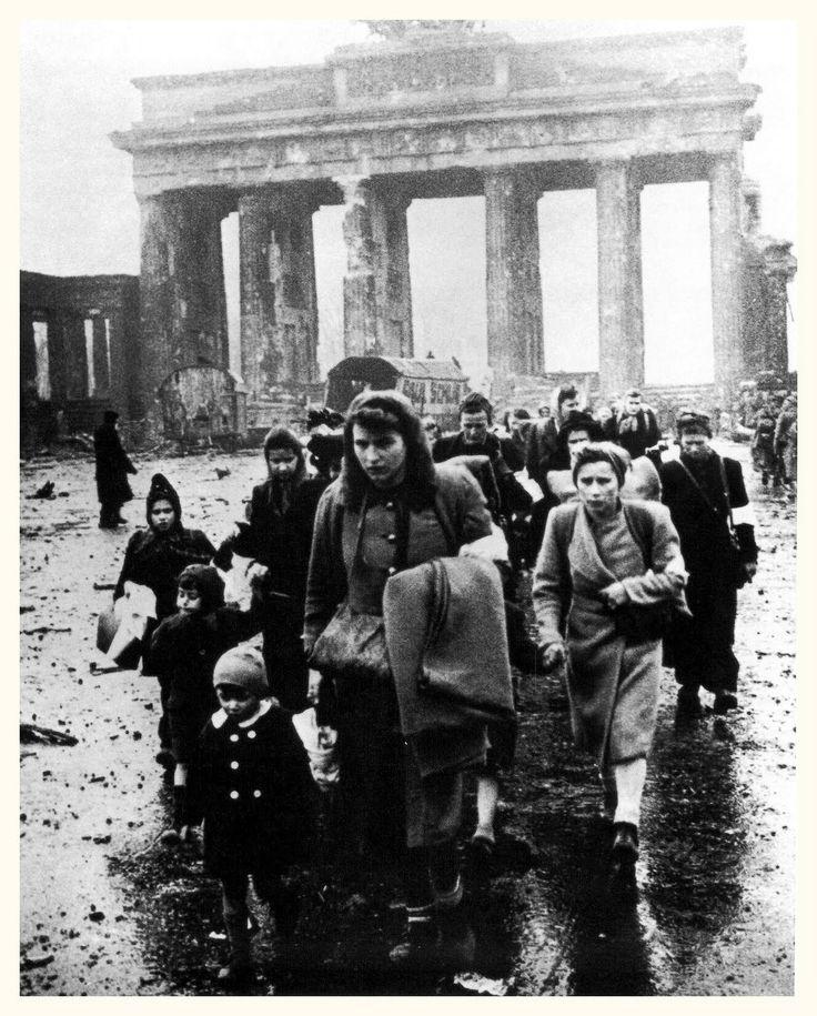 Brandenburg Gate, Berlin, Germany in 1945.