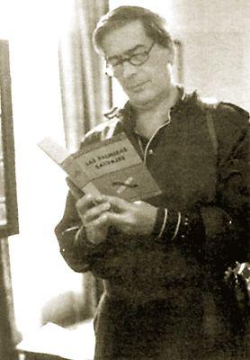 Mario Vargas Llosa leyendo Las palmeras salvajes de William Faulkner