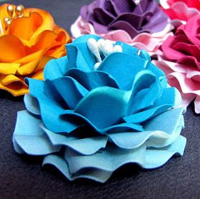 Do it yourself tutorial on making ruffled flowers