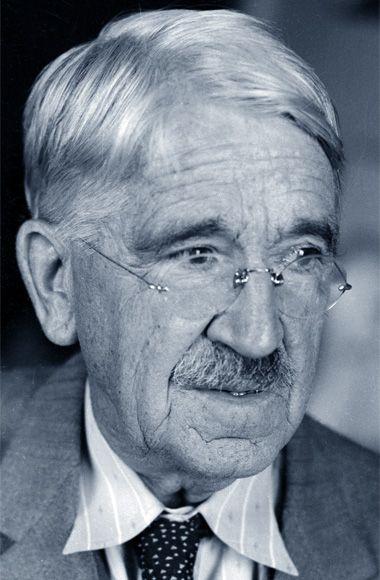 John Dewey • Ci vuole più umiltà nei nostri momenti di successo che non in quelli di sconfitta.