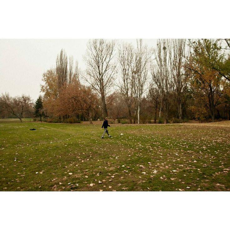 Emptiness #skantzman #manolisskantzakis #photography #park #woman #football #fujix100t #budapest