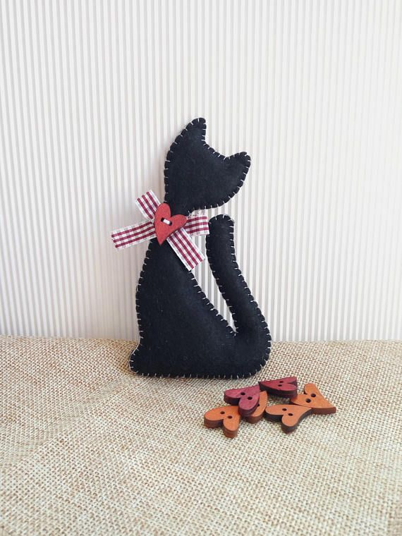 Felt cat idea, perfect gift idea for cat lovers or Halloween decor