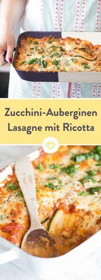 Diese Lasagne kommt ohne die namensgebenden Nudelplatten aus, wird stattdessen aus Zucchini und Aubergine geschichtet. Zum Dahinschmelzen!