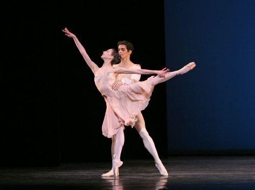 - Pesquisa Google Com a participação de sete Primeiros Bailarinos do Royal Ballet, incluindo os brasileiros Roberta Marquez e Thiago Soares...