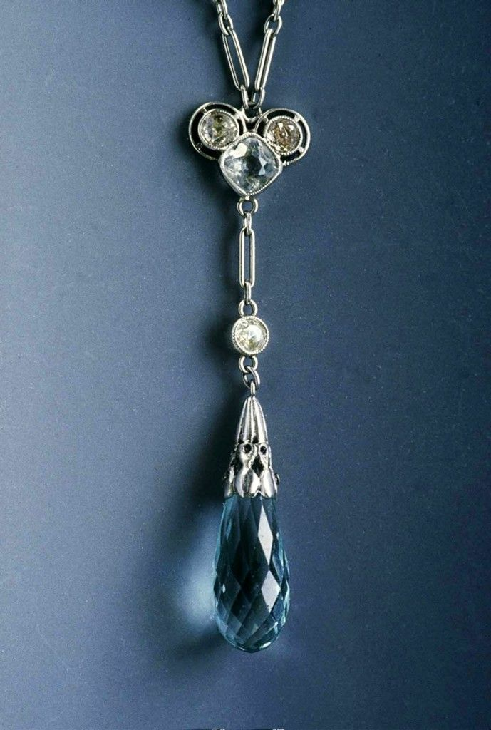 Finished restoration of the Aquamarine pendant. From http://cranejewelers.com/