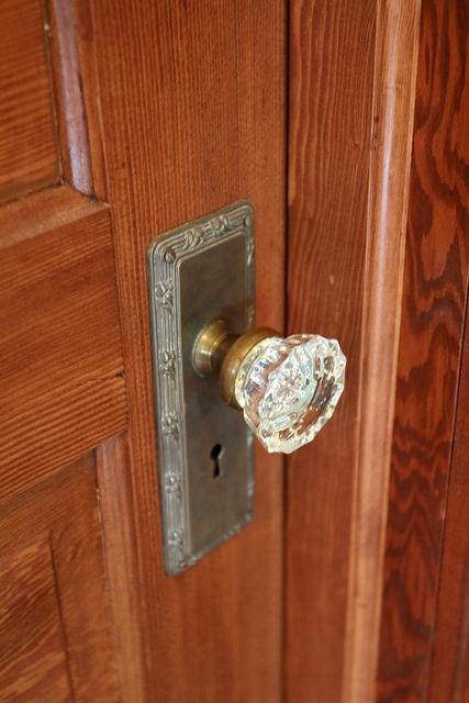 51 best Crystal Door Knobs images on Pinterest   Door knockers, Door ...