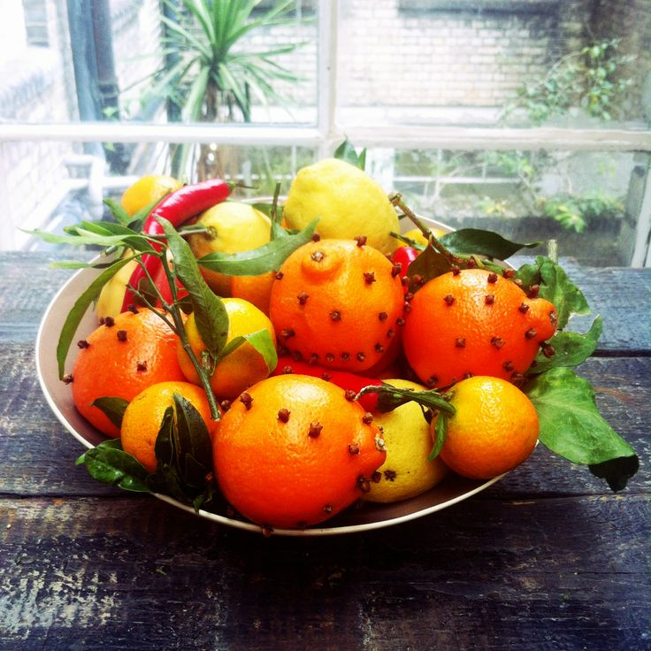 Christmas decorations tips  Stud a few oranges in your fruit bowl with cloves – they will give off a lovely spiced Christmassy smell