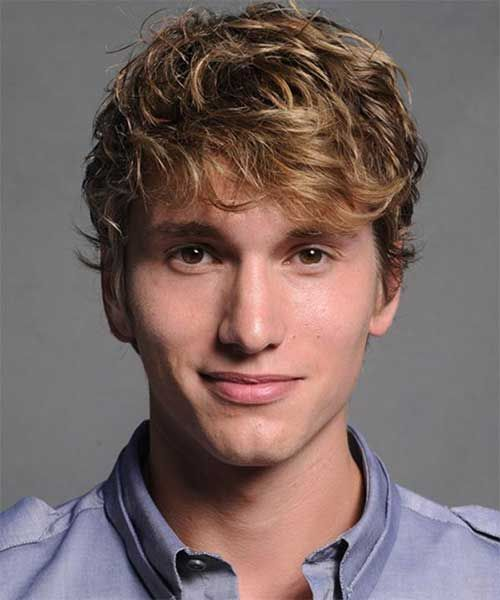 Hairstyles-for-Thick-Wavy-Hair-Men