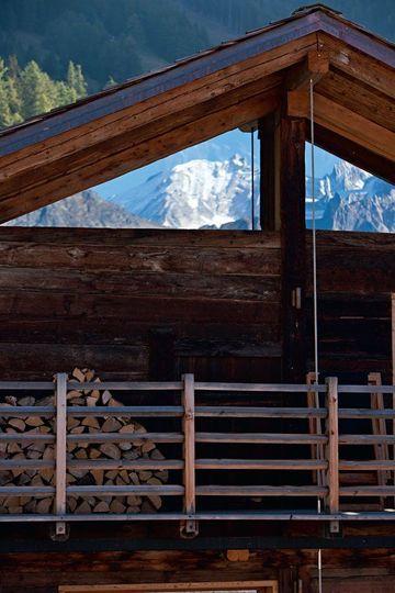 explore chalet suisse