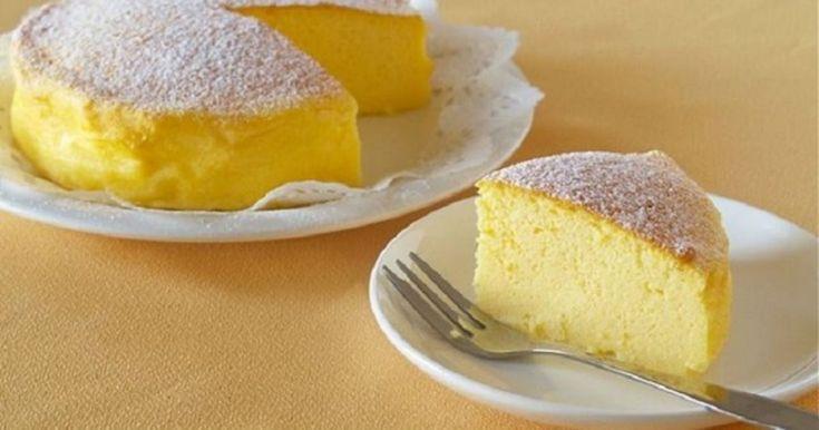 Αυτό είναι το cheesecake με τα 3 υλικά που έχει πάρει τα μυαλά εκατομμυρίων χρηστών του διαδικτύου! Αυτό το cheesecake έχει ξετρελάνει όλη την υφήλιο. Από τη στιγμή που δημοσίευσε στο You Tube η Ochikeron, τα likes και τα σχόλια πέφτουν βροχή. Τη συνταγή της την έχουν δει πάνω από 2 εκατομμύρια χ… Αυτό είναι …