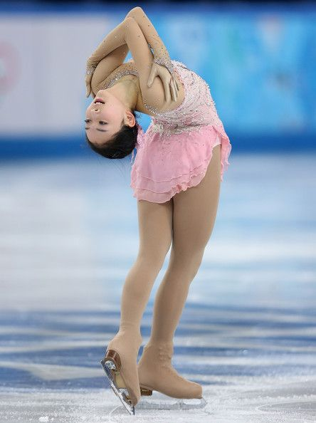 From Holly Hopkinson - Zijun Li Photos - ISU World Figure Skating Championships: Day 2 - Zimbio