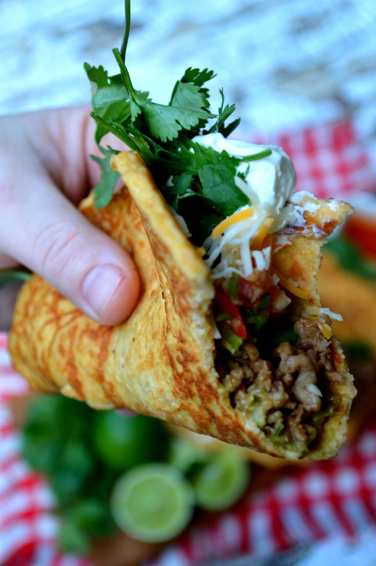 Pork rind tortillas! Check out this creative (and delicious) way to eat pork rinds! ·