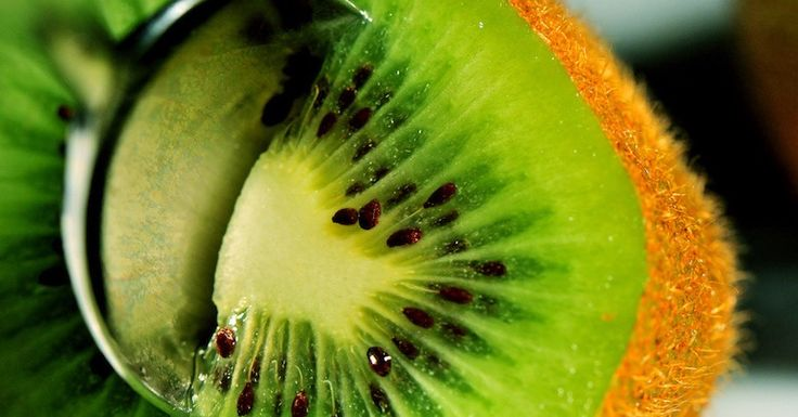 These 10 superior health benefits of kiwifruit will make you want to eat more of kiwifruits. Heal your intestinal tract and digestive system