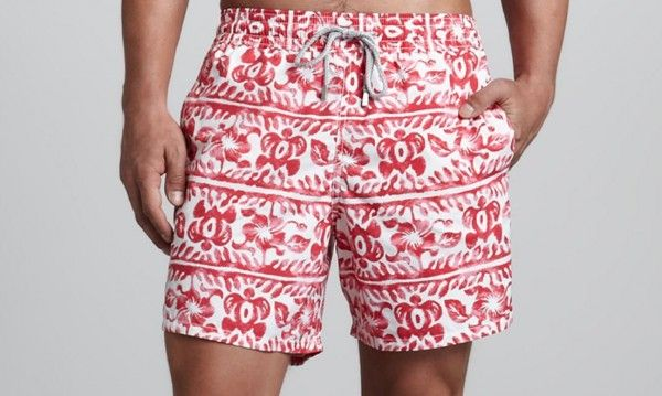 NO alle fantasie orizzontali per fisici piccoli e addome pronunciato - DOn't wear these if you're short and/or your belly is not flat #uomo #man #costumi #swimwear #VIrgoImage
