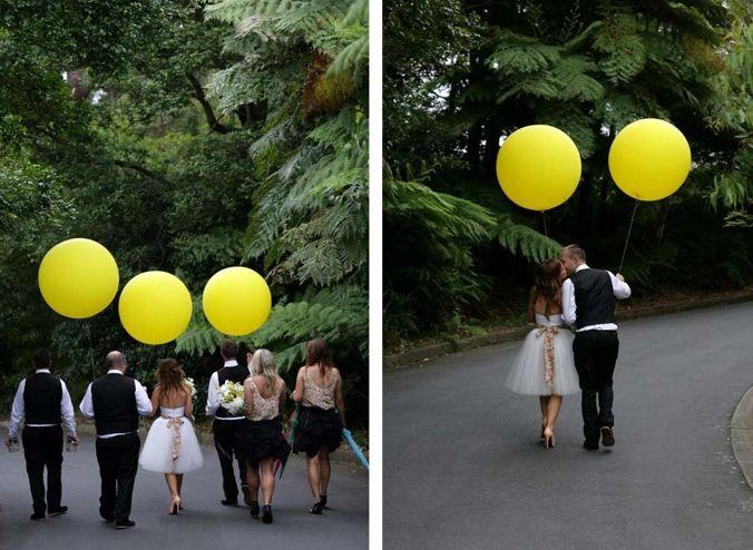 love the balloon photo shoot idea