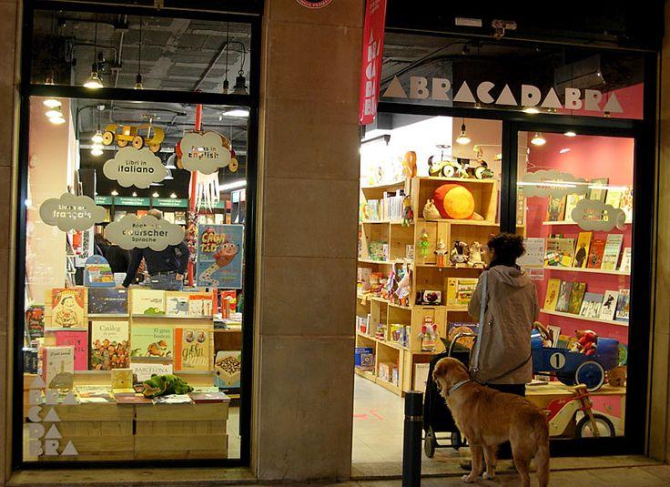 Librería infantil y juvenil. Tallers interessants!
