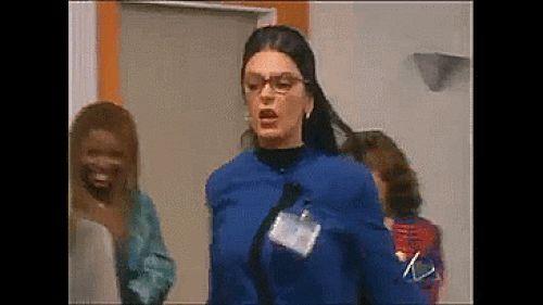 Nunca dejaba que las del cuartel de las feas la intimidarán.   18 Razones por las que Patricia Fernández era el mejor personaje de Betty La Fea