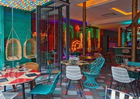 Bananas, un nuevo café-bar-restaurante-club de inspiración tropical y colonial en el barrio del born de Barcelona.