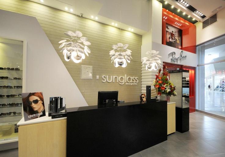 Tienda de gafas de sol de Margarita. Proyectos y Construcciones. Arcki, Taller de Arquitectura. Imaginar es solo el Comienzo ... www.arcki2.com.ve/ http://www.facebook.com/ARCKI.C.A