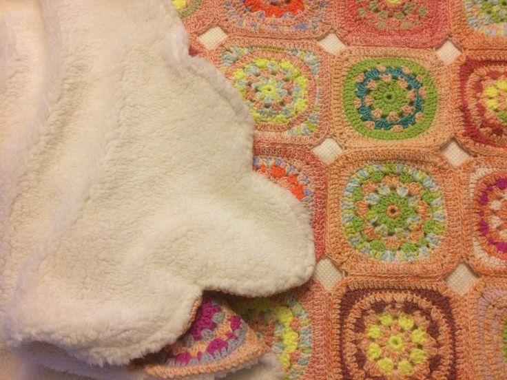 Dekentje : granny's met schapenvachtje